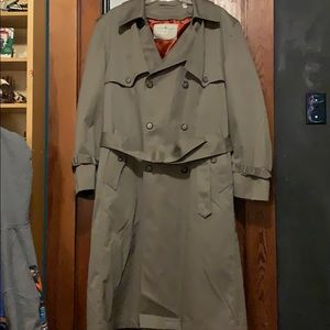 Vintage Towne by London Fog trench coat